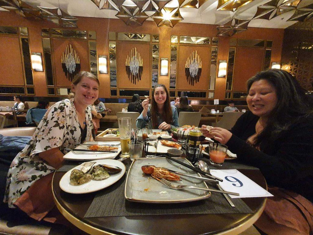 Sheraton Hotel Da Nang Resort Seafood Buffet Friends
