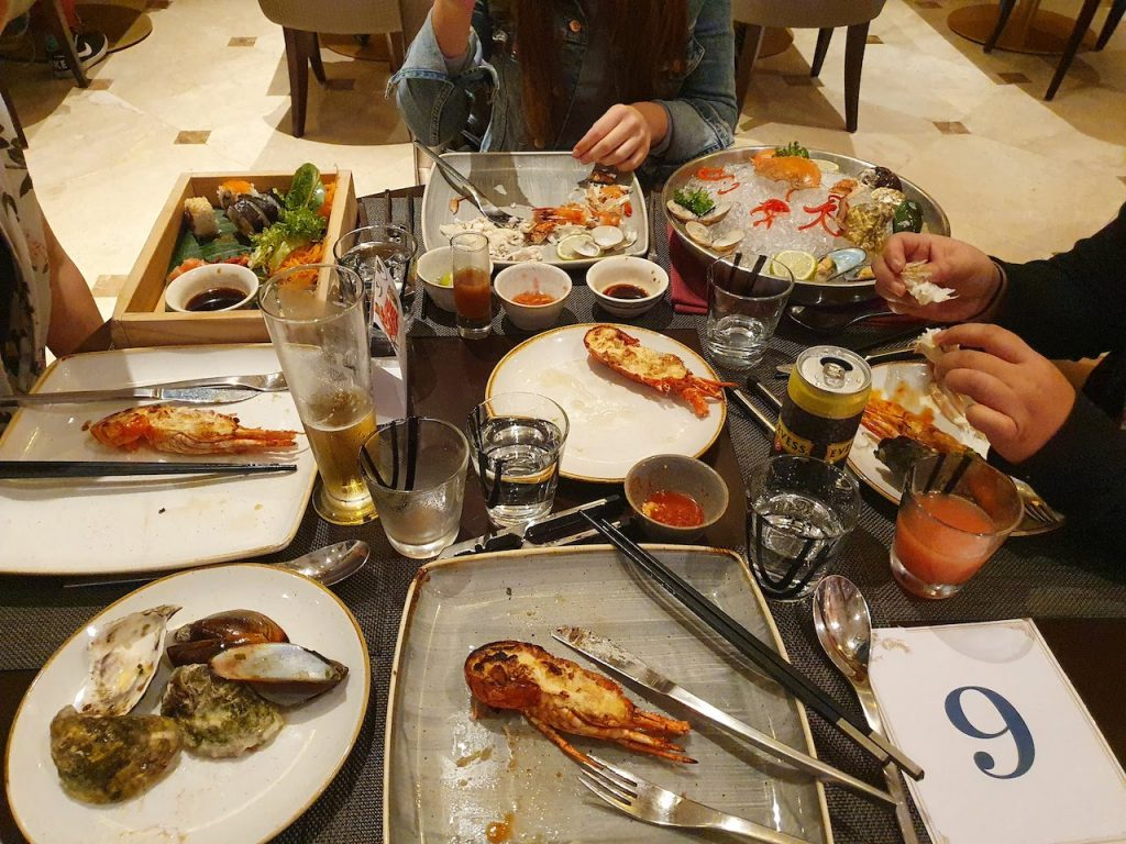 Sheraton Hotel Da Nang Resort Seafood Buffet Lobster